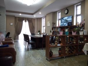 Hotel Salmer, Bed and breakfasts  Tbilisi City - big - 82