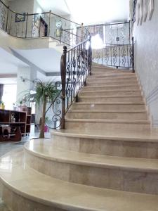 Hotel Salmer, Bed and breakfasts  Tbilisi City - big - 78