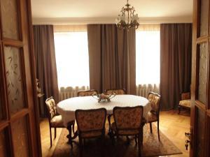 Guest House Nika, Penzióny  Gori - big - 26