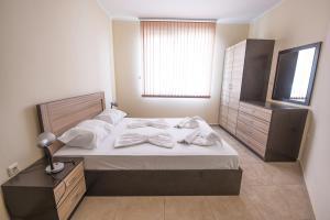 Apollon Apartments, Апартаменты  Несебр - big - 35
