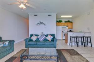 Twin Palms Beach Resort by Panhandle Getaways, Apartments  Panama City Beach - big - 13