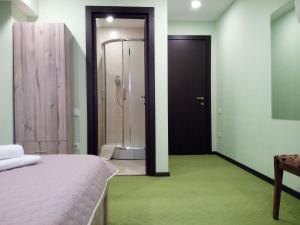 Hotel Salmer, Bed and breakfasts  Tbilisi City - big - 26