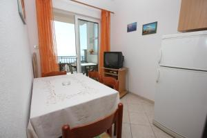 Apartment Pisak 7570a, Apartmány  Mimice - big - 8