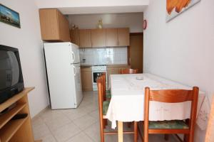 Apartment Pisak 7570a, Apartmány  Mimice - big - 11