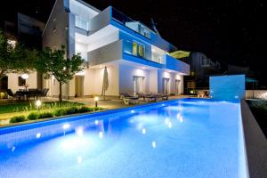 Villa Elena, Vily  Podstrana - big - 20