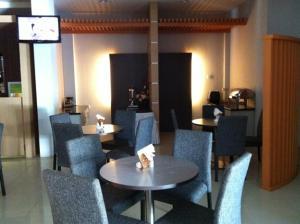 Benua Hotel, Отели  Kendari - big - 24