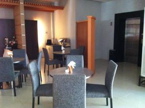 Benua Hotel, Отели  Kendari - big - 23
