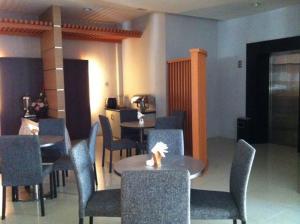 Benua Hotel, Отели  Kendari - big - 19