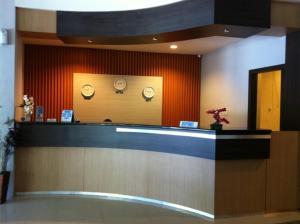 Benua Hotel, Hotels  Kendari - big - 32