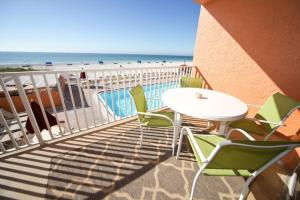 Sand Castle II Condo #202, Apartmanok  Clearwater Beach - big - 17