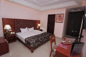 Bravia Hotel Lome, Szállodák  Lomé - big - 13