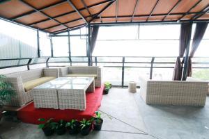 Yellow Star Gejayan Hotel, Hotels  Yogyakarta - big - 41