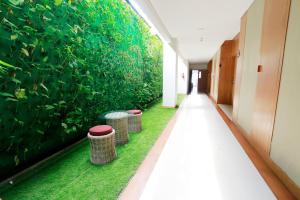 Yellow Star Gejayan Hotel, Hotels  Yogyakarta - big - 14