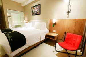 Yellow Star Gejayan Hotel, Hotels  Yogyakarta - big - 11