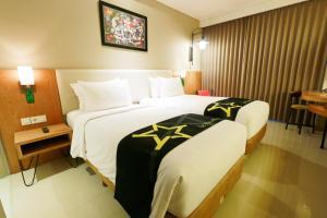 Yellow Star Gejayan Hotel, Hotels  Yogyakarta - big - 8