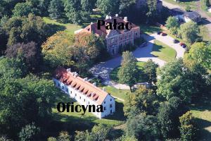 Lezno Palace