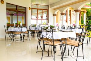 Mountain's View Hotel, Отели типа «постель и завтрак»  Bujumbura - big - 33
