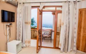 Mountain's View Hotel, Отели типа «постель и завтрак»  Bujumbura - big - 6