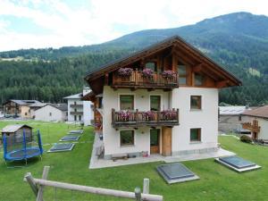 Locazione turistica Fiordaliso, Ferienwohnungen  Valdisotto - big - 9