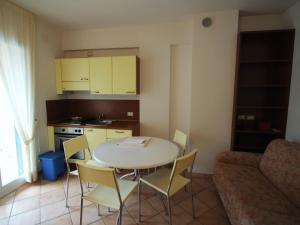 Locazione turistica Le Saline.5, Apartments  Borgio Verezzi - big - 14