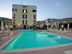 Locazione turistica Le Saline.5, Apartments  Borgio Verezzi - big - 12