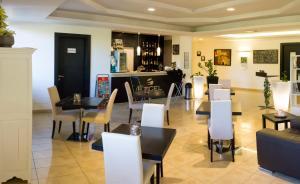 Excel Hotel Roma Ciampino, Hotely  Marino - big - 35