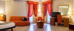 Excel Hotel Roma Ciampino, Hotely  Marino - big - 4