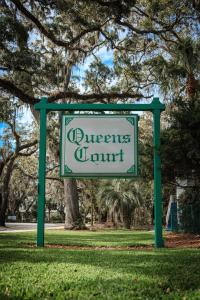 Queen's Court Inn, Отели  Saint Simons Island - big - 32