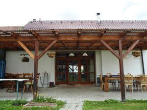 Bily Dvur, Apartments  Doňov - big - 3