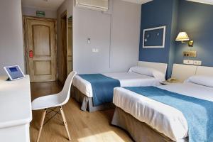 Hotel Jakue, Hotel  Puente la Reina - big - 6