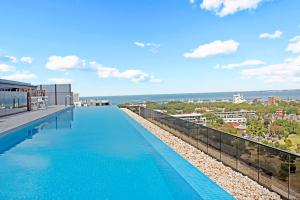 2 Br Apartment with WiFi & Infinity Pool, St Kilda