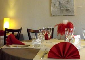 Les Capucins, Hotels  Avallon - big - 23
