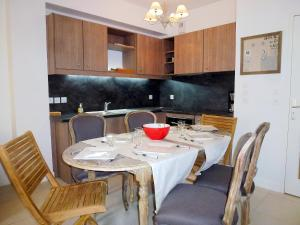 Holiday Home Villa Morny.1, Holiday homes  Deauville - big - 11