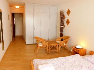 Apartment Rosablanche E31, Apartmanok  Siviez - big - 4