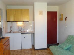 Apartment Les Balcons de la Méditerranée.1, Apartments  Narbonne-Plage - big - 9