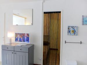 Apartment Les Balcons de la Méditerranée.17, Ferienwohnungen  Narbonne-Plage - big - 9