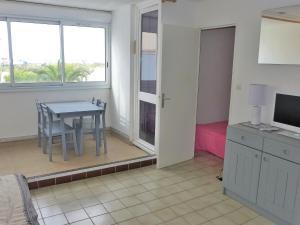 Apartment Les Balcons de la Méditerranée.17, Ferienwohnungen  Narbonne-Plage - big - 12