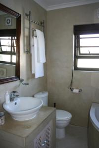 Suite 44, Apartments  Hermanus - big - 10