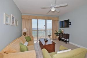 Three-Bedroom Apartment with Sea View 706E
