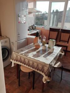 Apartment 16 Mikrorayon 42, Ferienwohnungen  Shymkent - big - 15