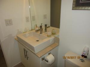 Luxury Furnished Corporate Suite in Downtown Toronto, Appartamenti  Toronto - big - 16