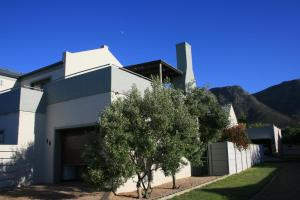 Suite 44, Apartments  Hermanus - big - 25