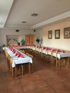 Hotel Pod Stráží, Hotels  Lhenice - big - 93