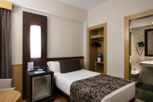 Catalonia Atenas, Отели  Барселона - big - 12