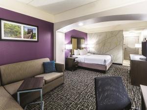 La Quinta Inn & Suites Mission at West McAllen, Hotels  Mission - big - 4