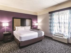 La Quinta Inn & Suites Mission at West McAllen, Hotels  Mission - big - 3