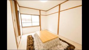 Apartment in Sakuragawa, Apartmanok  Oszaka - big - 2