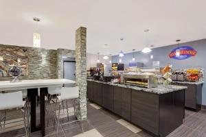 Baymont Inn and Suites Coralville