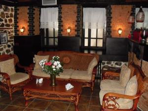 Guest House Bujtina Leon, Affittacamere  Korçë - big - 25