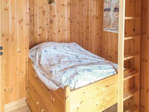 Four-Bedroom Holiday Home in Skabu, Holiday homes  Skåbu - big - 11